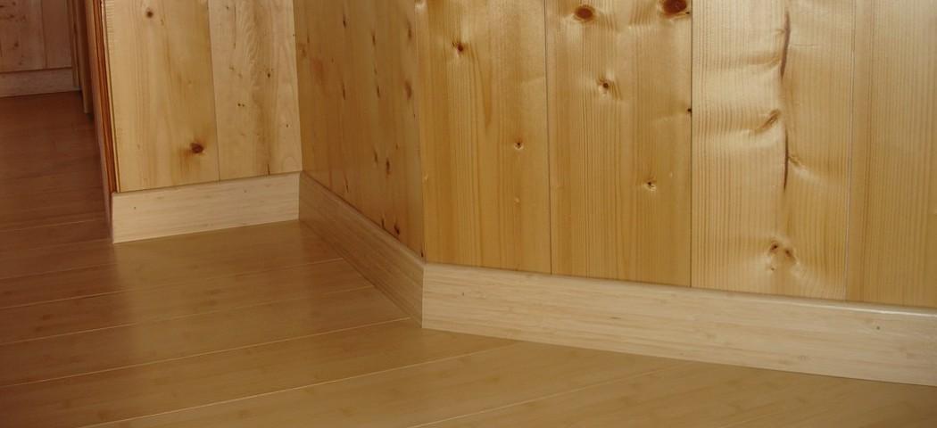interieur-bois-plinthes-2